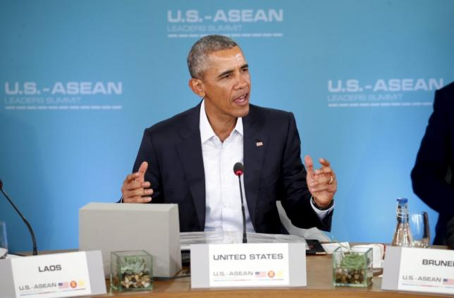 U.S. President Barack Obama makes opening remarks at the 10-nation Association of Southeast Asian Nations (ASEAN) summit at Sunnylands in Rancho Mirage, California February 15, 2016. REUTERS/Kevin Lamarque